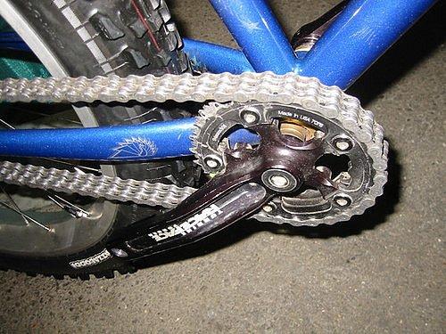 щели жаждут скрежет при вращении колеса велосипеда парни грубо имеют